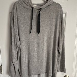 H&M light gray top